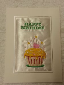 HAPPY BIRTHDAY CARD - Cupcake